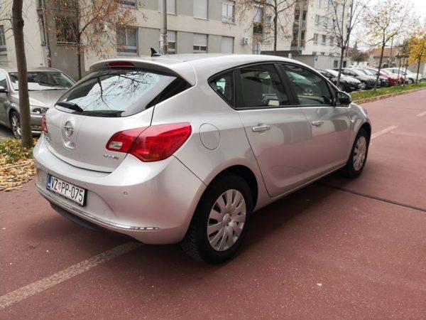 Opel Astra J 1.6 CDTI 110, Euro 6, Navi, Zimski paket, PDC, Servisna