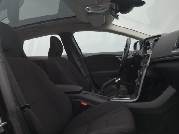 Volvo V40 D2, Panorama, Virtual cockpit, Zimski paket, HRNavi, Alu 16″