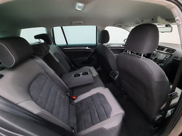 VW Golf VII Variant 1,6TDI, Highline, Alu, Alcantara, ACC Radar, Garancija