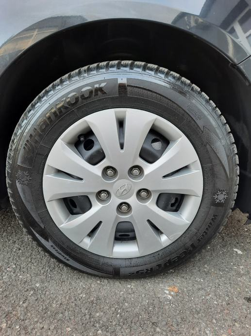 Hyundai ix20 1,4 CRDi 66kw/90ks, HR Navi, Kamera, PDC, Nove zimske gume, Garancija, Reg 12/2021
