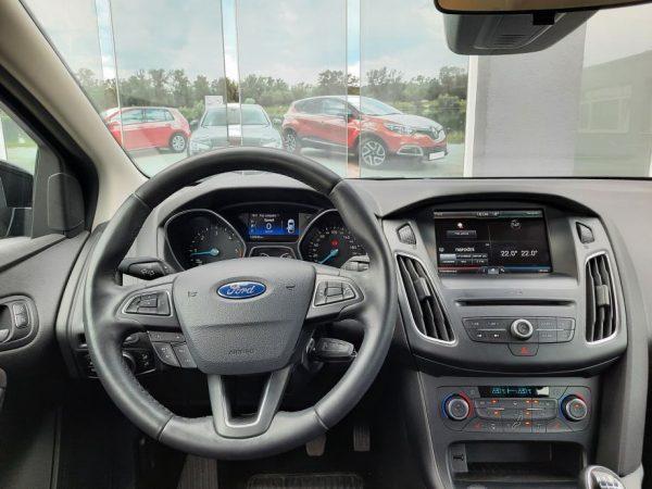 Ford Focus SW 1,5 TDCI 120KS, HR Navi, Park pilot, Zimski paket, 8 kotača, Garancija