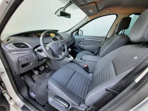 Renault Grand Scenic dCi 110, Limited, HR Navi, Alu 16″, PDC, Jamstvo